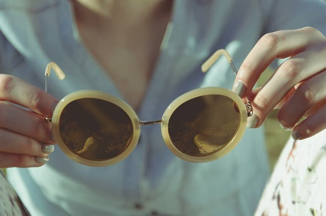 How to Choose Sunglasses Fit for the Shape of Your Face